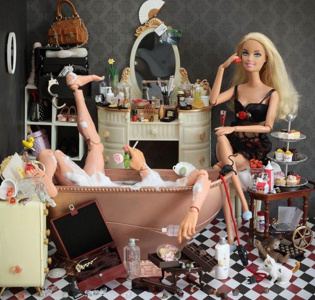 Темная сторона Барби