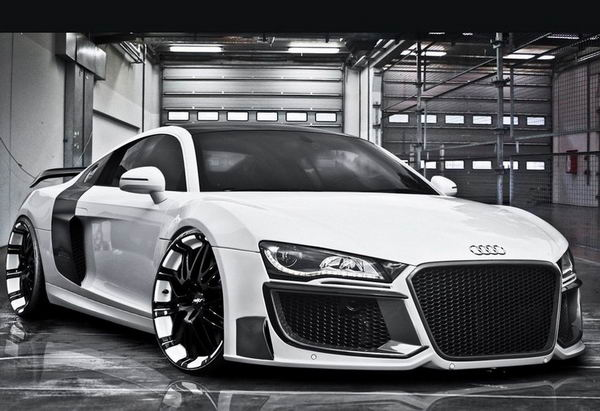"Audi R8 стала ""грандиозной"""